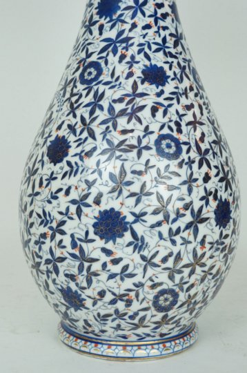 Beautiful Pair of Turkish Iznik Design Blue and White Porcelain Flower Vases
